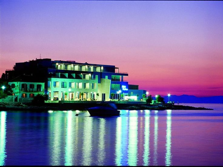 "Luxury hotel ""Pastura"", on the beach"
