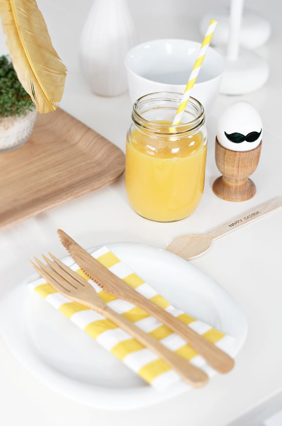 yellow+white stripes, egg with moustache, easter breakfast | Photograph: Nina Holst, Stylizimo