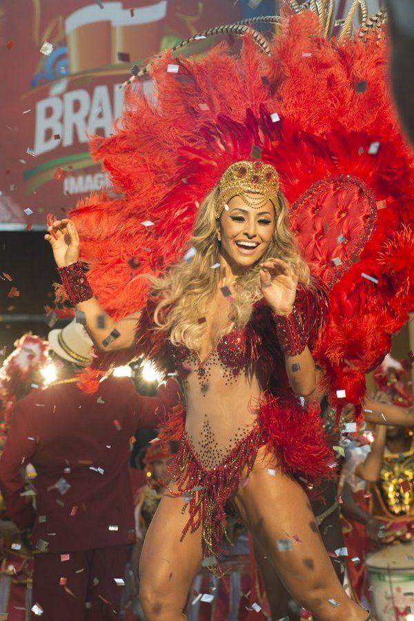 Sabrina Sato grava campanha de Carnaval em estádio - Yahoo Celebridades Brasil