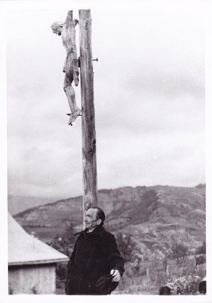 Ο Νίκος Καζαντζάκης στη Barcelonette, κοντά στο Sauze, στη Γαλλία. 1954. Φωτογραφία Κίμωνα Φράιαρ.