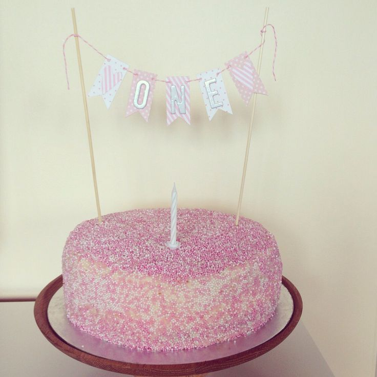 Bunting cake topper £7