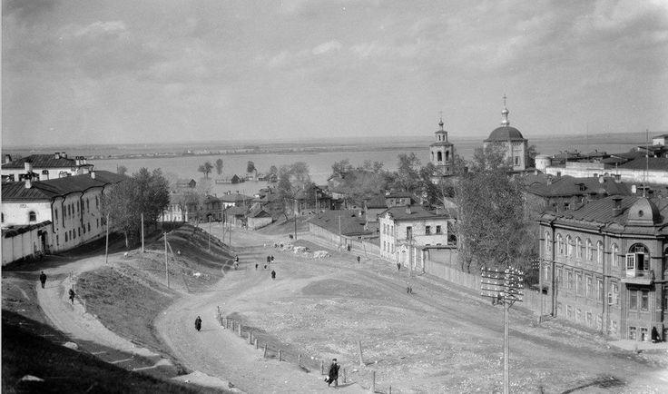 Потрясающие и не самые распространенные снимки Уильяма Осгуда Филда Казани начала 30-х гг. прошлого века, которые он сделал в рамках своего путешествия по СССР по Волге...