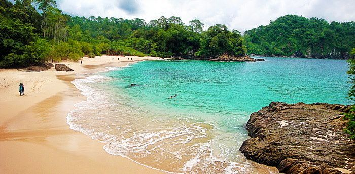 Green Bay or Teluk Hijau is located in Banyuwangi, southern Pesanggaran, Sarongan village. This is a hidden paradise in Banyuwangi. The beauty of the white sand beaches decorated with enchanting sound of waves