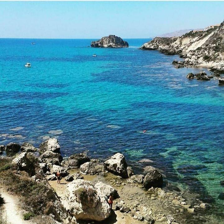 Quest'oggi ci godiamo il blu del mare di Licata... Today