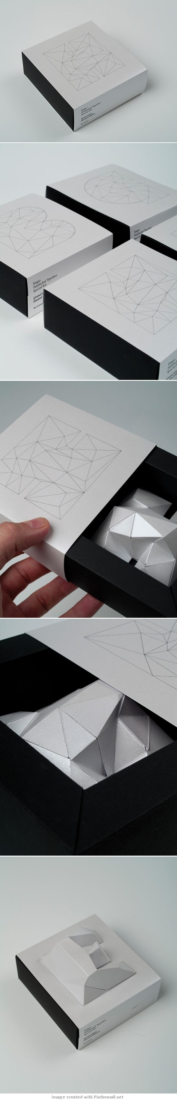 Special typo kit #packaging for EMPO students final graduation PD created via http://www.losiento.net/entry/empo-kit