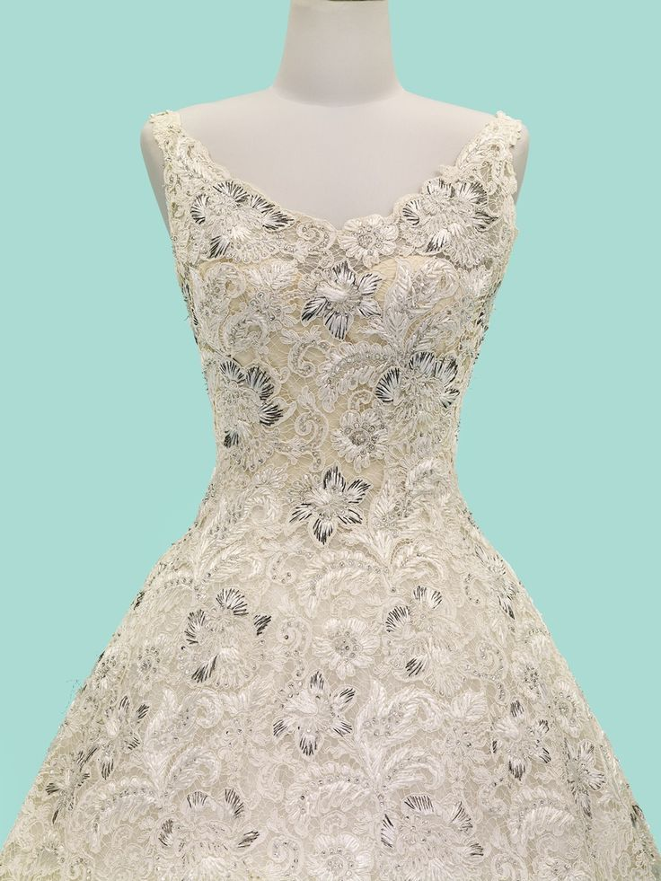 Evening Dress, 1960 : Made of Lesage-embellished French lace, this gown was worn on the 1960 tour to banquets, the theater, and other formal events in Belgium, Germany, Norway and Spain—and later in Thailand.| Credit : QSMTThailand.org