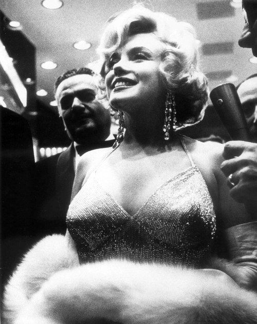 Marilyn Monroe Living Room Decorations: Marilyn Monroe At The Some Like It Hot Premiere, 1959