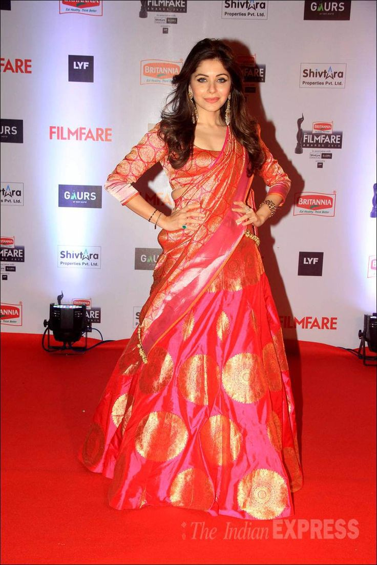 Kanika Kapoor in a silk lehenga on the red carpet at the Filmfare Awards show. #Bollywood #Fashion #Style #Beauty #Hot #Desi #Punjabi