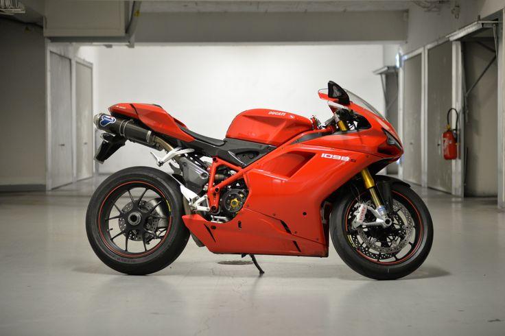DUCATI 1098S - 2007 Termignoni, Rizoma, Pirelli Corsa, Ducati Performance, Ducati 1098 s