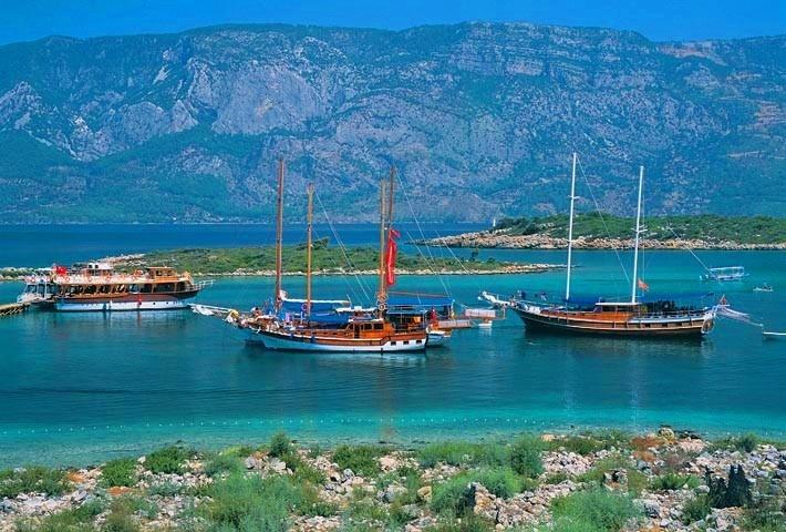 Kleopatra plajı: Pirates Ships, Cleopatra Islands, Bodrum Turkey, Crui Turkey, Charter Holidays, Beautiful Turkey, Pretty Places, Egean Sea, Exotic Turkey