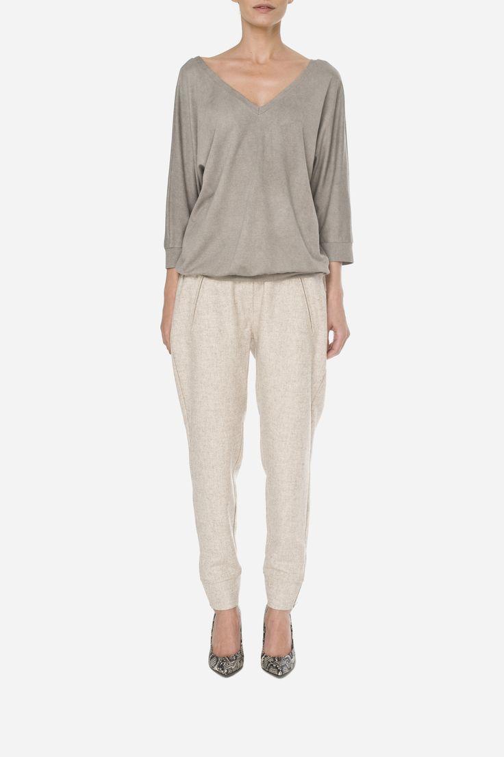 40 Double V-neck jumper 420zł (105€), Woolen pants 500zł (125€)