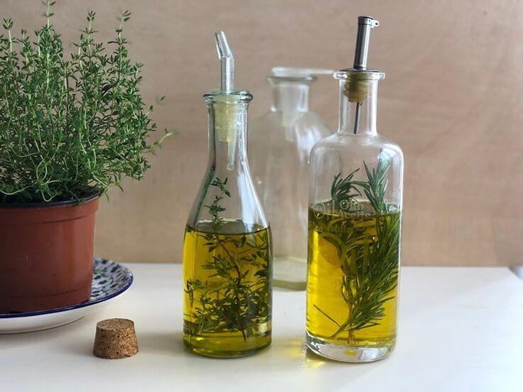 Aceite y sal aromatizado con romero y tomillo   Tomillo