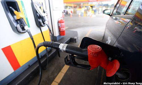 Petrol RON95 & 97 naik 4 sen diesel naik 6 sen bermula tengah malam ini   Harga runcit petrol terus menunjukkan trend meningkat.    Petrol RON95 & 97 naik 4 sen diesel naik 6 sen bermula tengah malam ini      Bermula 12.01 tengah malam ini RON95 akan dijual pada harga RM2.07 seliter manakala RON97 pula akan dijual pada harga RM2.32 seliter.  Kedua-dua petrol itu naik empat sen.  Sementara harga diesel pula naik 6sen kepada RM2.05 seliter.  Trend menaik itu ditunjukkan sejak 29 Jun lalu…