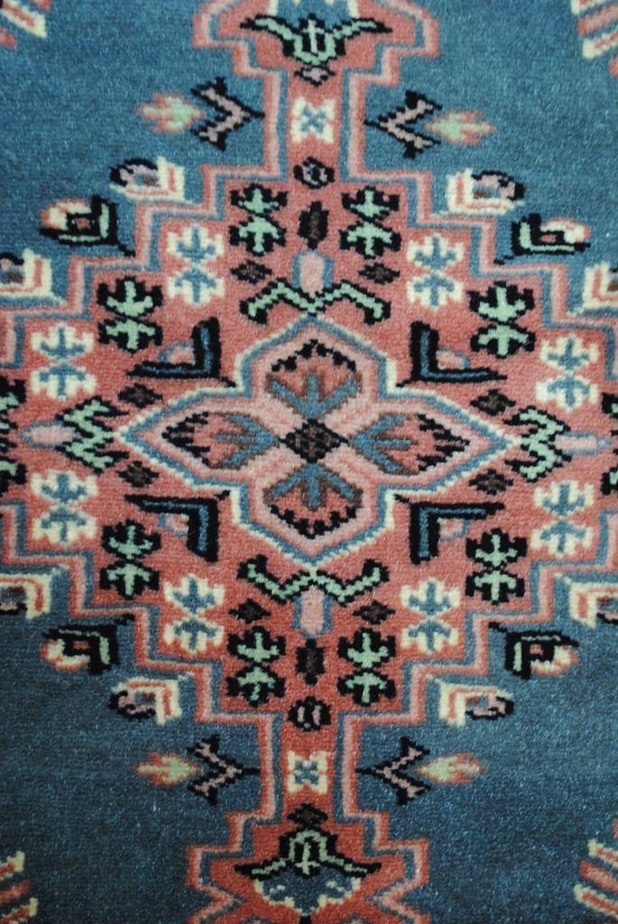 Handmade Woolen-Silk Carpet MEDALION 0,79 x 1,10  cm ( part of carpet) | ioakeimidis