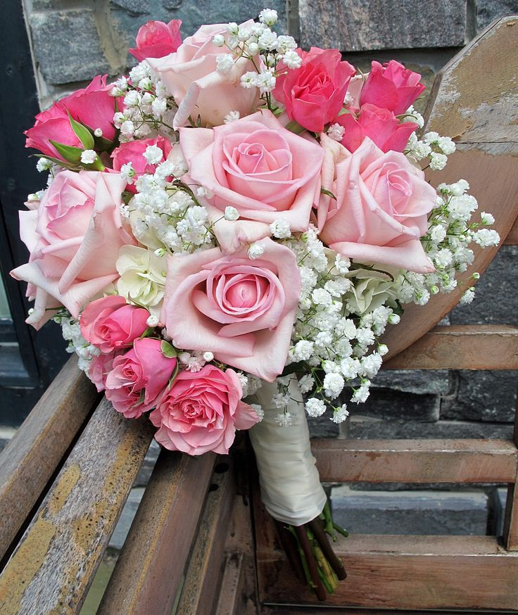 Pink roses and Baby's Breath | Pinks in 2019 | Flower ...