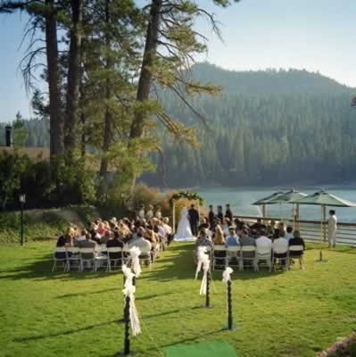 The Pines Resort In Bass Lake California For An Outdoor Wedding Venue