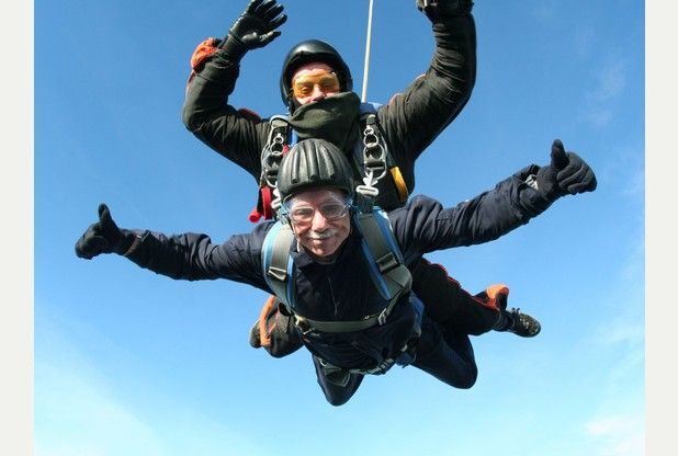 Thrill-seeking OAP taking to the skies in support of nursing charity