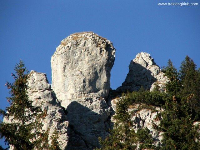 Human head? - Curmatura alpine hut, #Piatra_Craiului #mountains, #Transylvania
