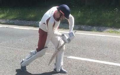 """Cricketers take advantage of five-hour traffic jam to play a game on closed section of dual carriageway Sitemize """"Cricketers take advantage of five-hour traffic jam to play a game on closed section of dual carriageway"""" konusu eklenmiştir. Detaylar için ziyaret ediniz. http://xjs.us/cricketers-take-advantage-of-five-hour-traffic-jam-to-play-a-game-on-closed-section-of-dual-carriageway.html"""