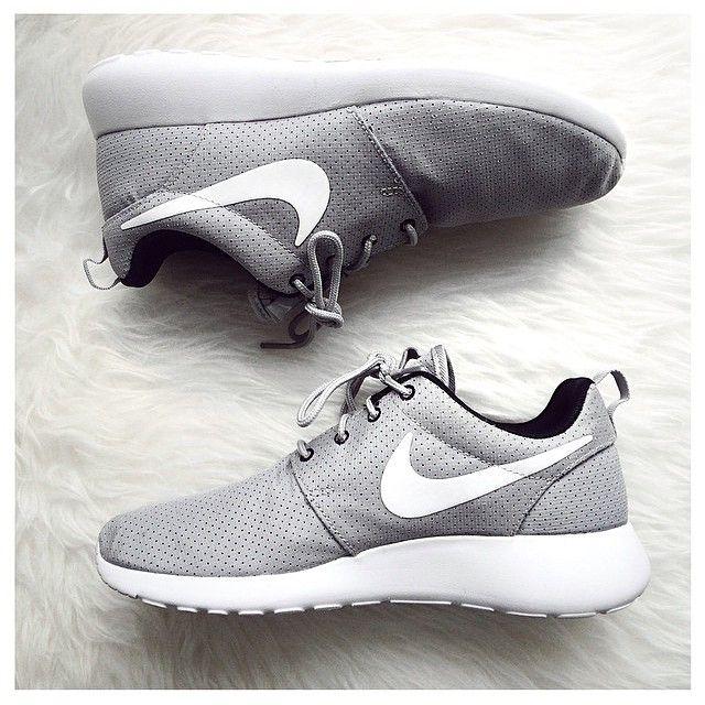 Nike roshe ღ