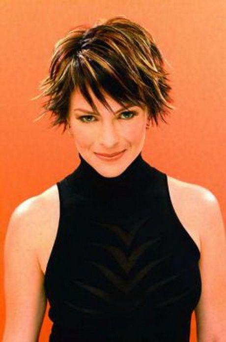 Short textured hairstyles for women                              …