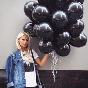 globos negros mujer