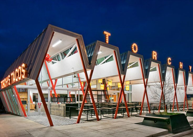 Retro Restaurant Exteriors - This Taco Restaurant References 1950s Roadside Buildings and Signage (GALLERY)