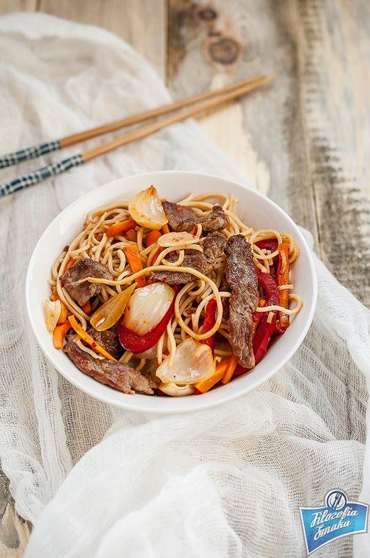Makaron smażony z wołowiną Stir-fry