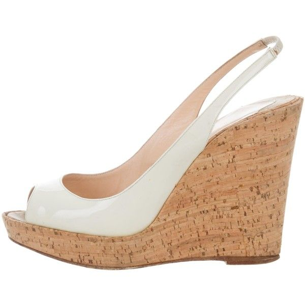 Pre-owned Christian Louboutin Cork Slingback Wedges ($175) ❤ liked on Polyvore featuring shoes, sandals, neutrals, wedge sandals, peep-toe shoes, cream sandals, cork sandals and cream wedge sandals