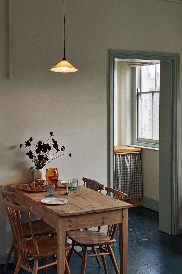 A Vintage-Inspired Apartment in Hackney from Abel Sloane and Ruby Woodhouse of 1934