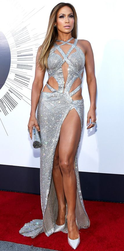 MTV VMAs 2014: Jennifer Lopez in a Charbel Zoe gown, Jimmy Choo shoes, Thalé Blanc clutch, Neil Lane 20-carat diamond and platinum stud earrings, and five Neil Lane diamond and platinum rings.