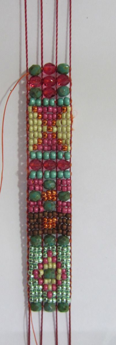 How to prepare loom for different sizes of beads in the same bracelet