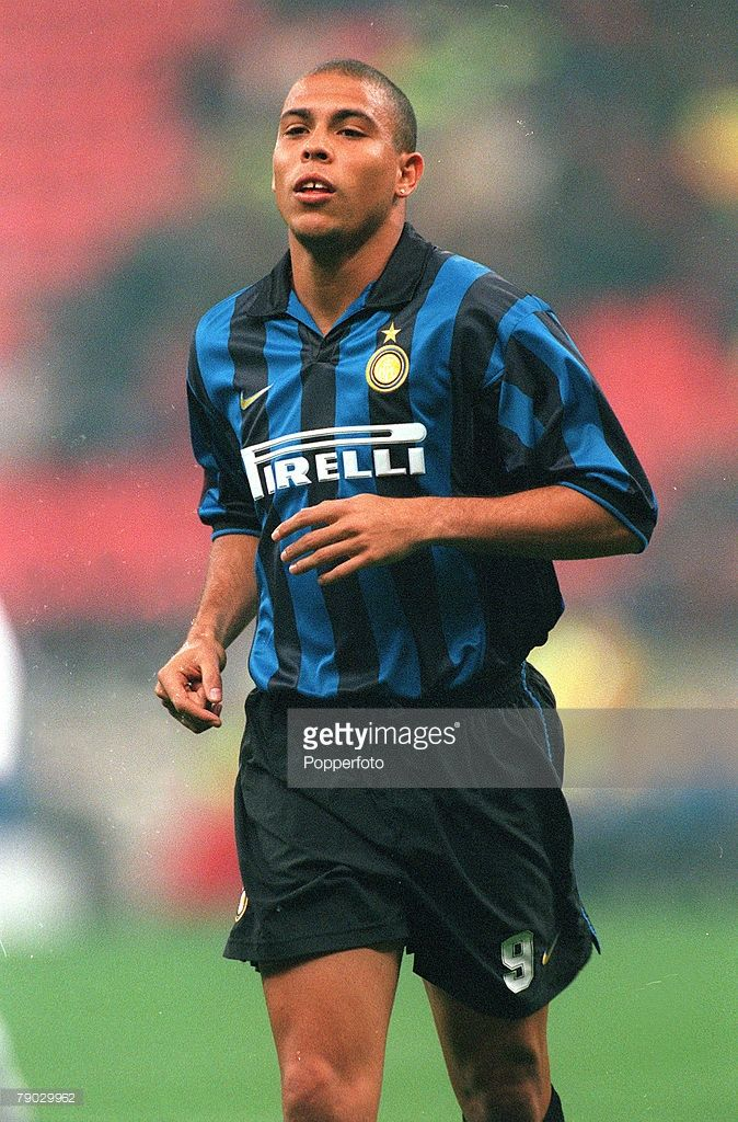 Sport, Football, European Champions League, Milan, Italy, 21st October 1998, Inter Milan 2 v Spartak Moscow 1, Inter Milan's Ronaldo
