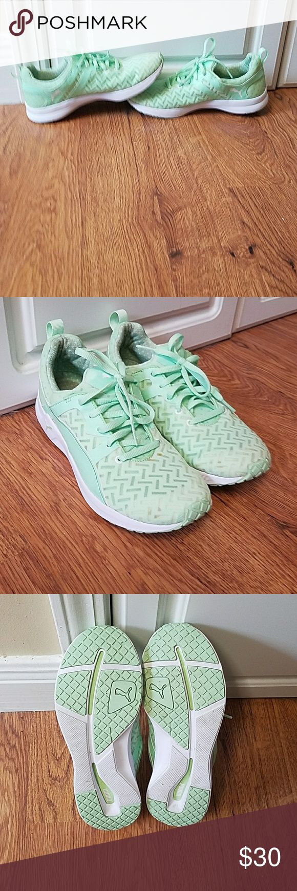 PULSE XT PWRCOOL Women's TRAINING SHOES USED Puma shoes. Worn maybe 5 times. Small for stain on toe area. Good shape. Puma Shoes Athletic Shoes