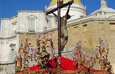 Cádiz en Semana Santa, un espectáculo propio    http://www.europapress.es/turismo/destino-espana/noticia-cadiz-semana-santa-espectaculo-propio-20120403100012.html