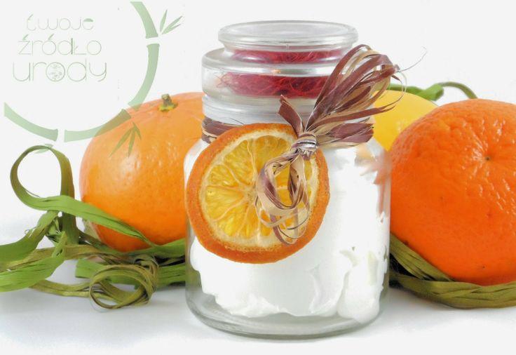 puszyste pomarańczowe masło do pielęgnacji.