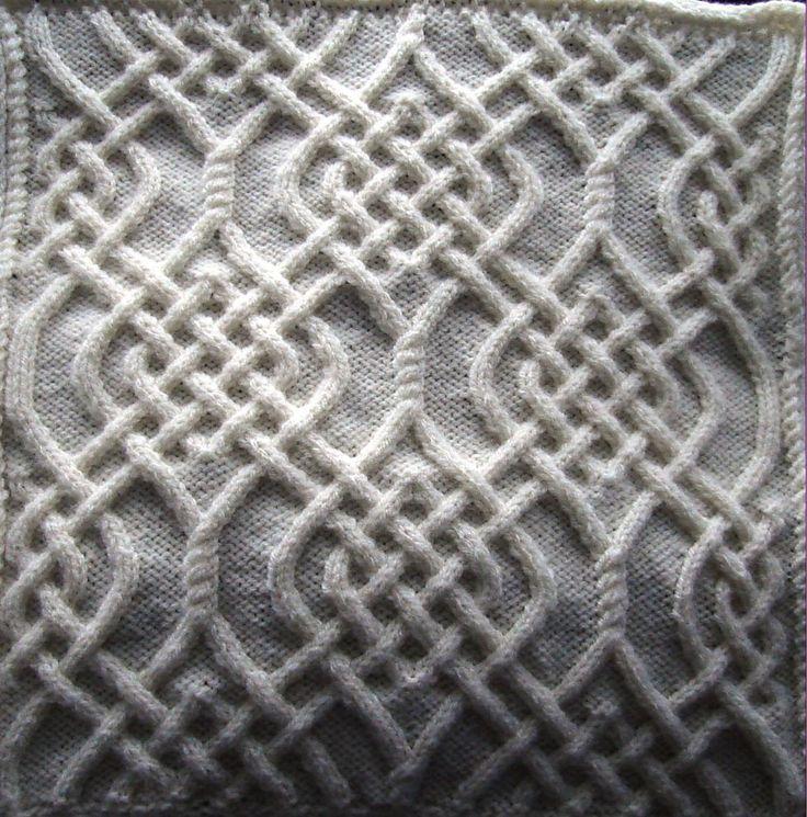 Ravelry: Celtic Motif (knot #79) by Devorgilla's Knitting (sometimes...)