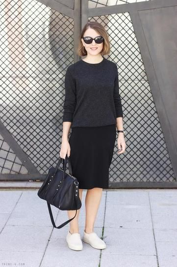 Skirts & Sneakers Trend: Casual Knit pencil skirt and t-shirt, worn with sneakers