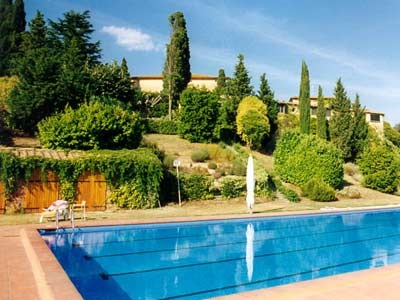 The Villa is set up on a most dramatic set up ever. Roosted on top of a hill, this villa spreads an air of thrill coupled with prettiness. http://www.ciaoitalyvillas.com/tuscany-vacation-rentals/pisa/volterra-villas/10221