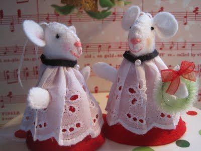Christmas mice pattern