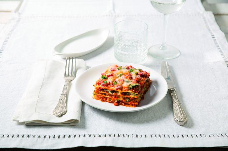 """750g vous propose la recette """"Lasagne à la sauce napoletana et légumes grillés"""" publiée par Barilla."""