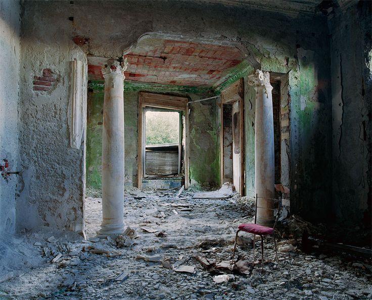 Forgotten Palaces - Photographer Thomas Jorion