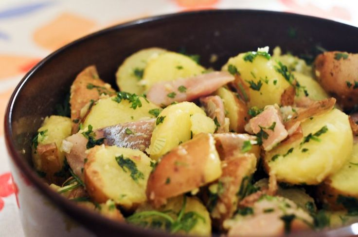 Harengs pommes à l'huile — literally, herring and potatoes with oil — is a great classic among French hors-d'oeuvres, one …