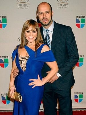 Jenni Rivera's husband Esteban Loaiza files lawsuit over singer's plane crash death