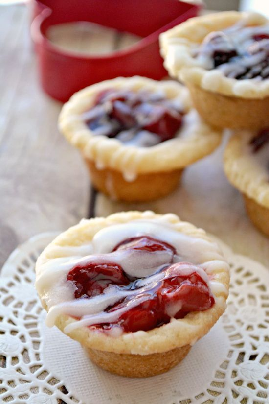Cherry Pie Cookie Cups - only with Apple pie filling! :)