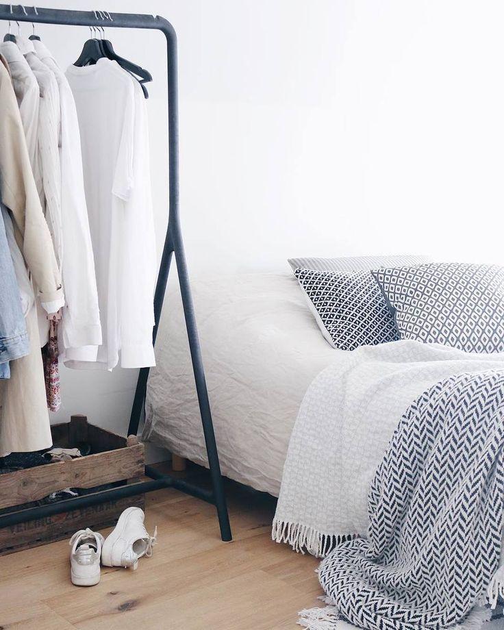 Bedspreien maken de badkamer helemaal af, fijne zaterdag iedereen! #wooninspiratie #slaapkamer * * * * Credits: @studiokiknl * * * * #inspiratie #interieur #meubels #meubel #meubelonline #design #living #interior #myhome2inspire #interior4you #instahome #styling #livingroom #flowers #homedeco #homedecoration #homedecor #furnnl #furniture #beautiful #homeandliving #lifestyle #weekend #saturday #zaterdag #saturdays #saturdayswag