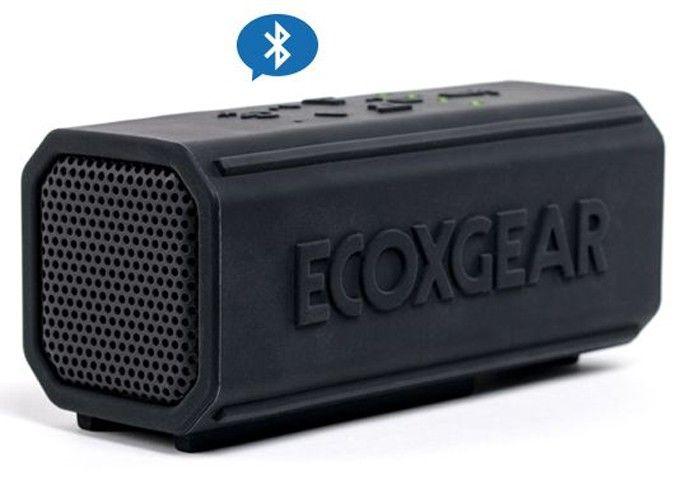Super resistente, modelo Powerbank tem bateria de 10.000 mAh, que pode tocar 50 horas de música e recarregar seu celular (Foto: Divulgação/Ecoxgear)