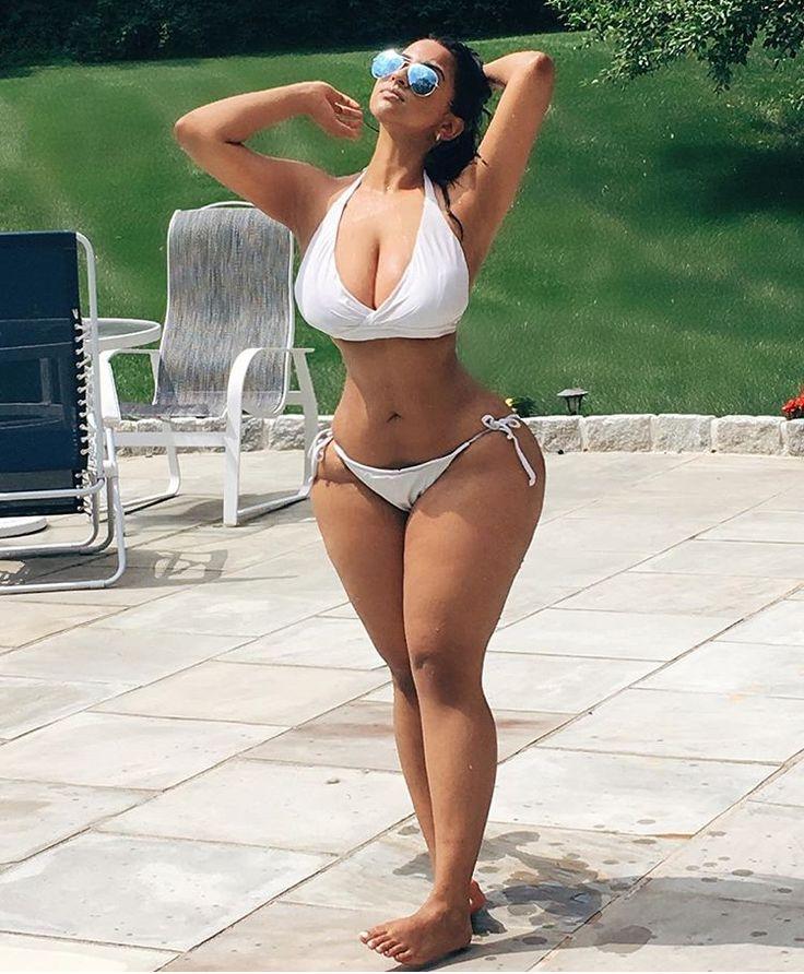 petite-girl-with-big-hips-naked-beautiful-nude-exotic-latino-women