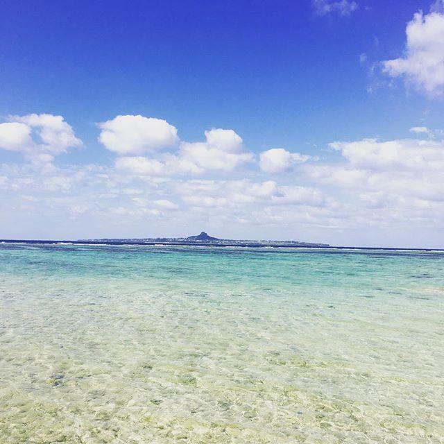 【doorae_kim】さんのInstagramをピンしています。 《하늘은 높고 푸르고 바다는 넓고 투명한 오키나와에서. 空は高くて青い、海は広くて透明な沖縄から。#일본 #오키나와 #바다 #풍경사진 #기록 #日本 #沖縄 #海 #風景写真 #記録 #canon #キャノン #캐논 #6d #35mmf2is #landscape #japan #okinawa #sea #f4f #선팔 #맞팔 #소통 #친구해요 #ekary》