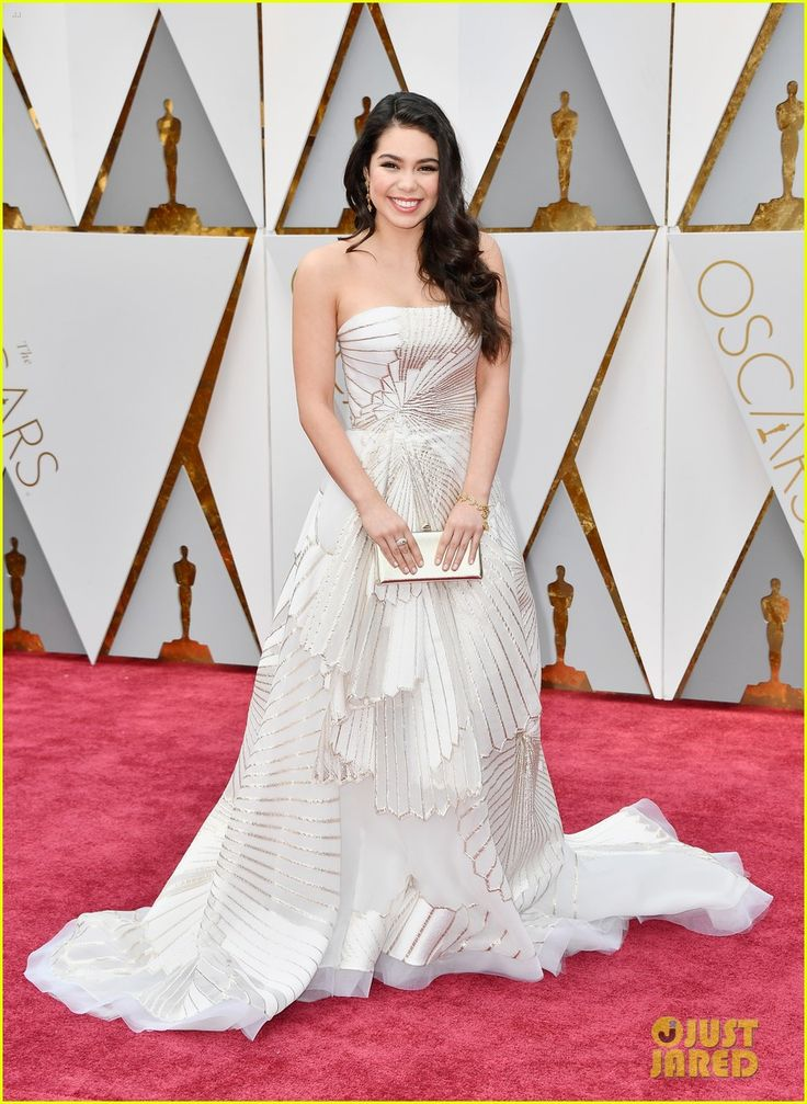 'Moana' Actress Auli'i Cravalho Wows In Stunning Dress at First Oscars Ever